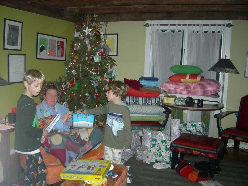 Xmastree gifts 004