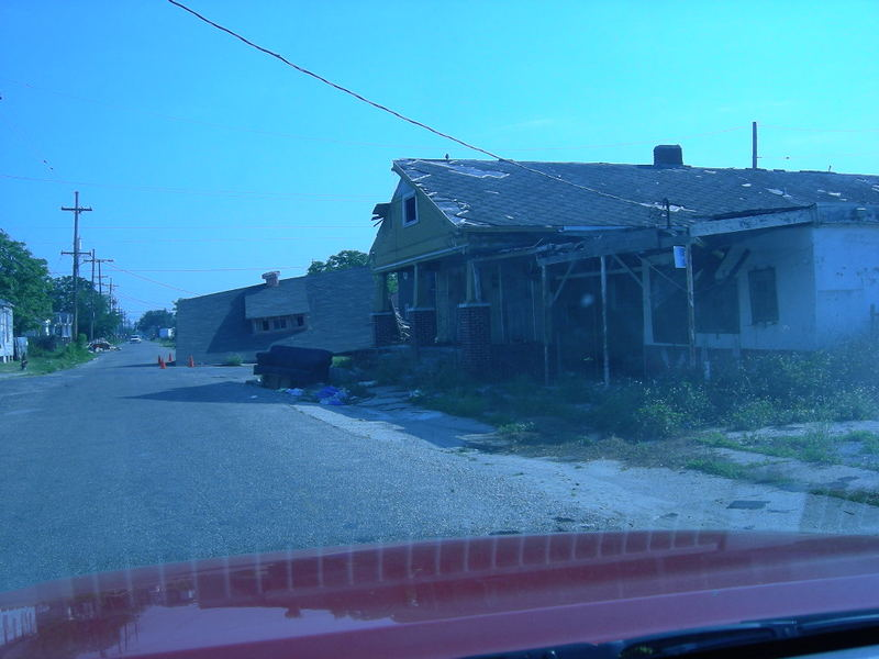 House_in_road4_002
